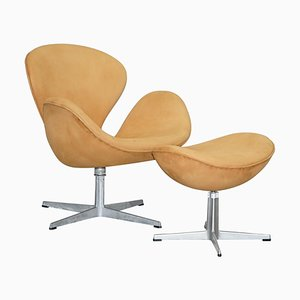 Swan Armchair & Egg Footstool in Brown Suede Leather from Fritz Hansen, 1976, Set of 2