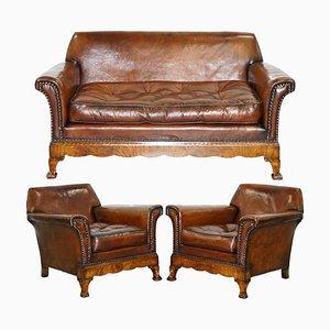 Divano e poltrone in legno di noce intarsiato e pelle marrone di Thomas Chippendale, set di 3