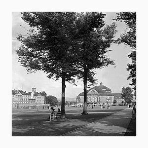 Friedrichsplatz in der Innenstadt von Kassel, Deutschland, 1937, 2021
