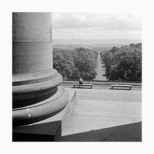Blick vom Schloss-Tor von Wilhelmshoehe auf Kassel, Deutschland 1937, 2021