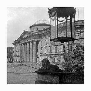 Blick auf Schloss Wilhelmshoehe in Kassel, Deutschland 1937, 2021