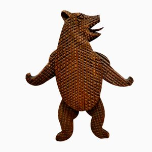 Antiker tanzender Schwarzwälder Bär