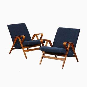 Vintage Armlehnstühle aus Holz von Tatra Nabytok, 1960, 2er Set