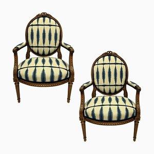 Louis XVI Armlehnstühle aus Nussholz, 2er Set