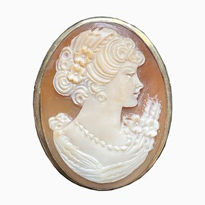 Brooch or Pendant with Cameo & 18kt Yellow Gold