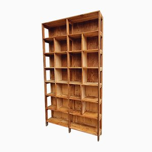 Wandschrank oder Bücherregal