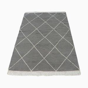 Grauer marokkanischer Berber Teppich