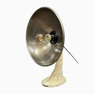 Old Heat Lampe mit Gusseisen Sockel