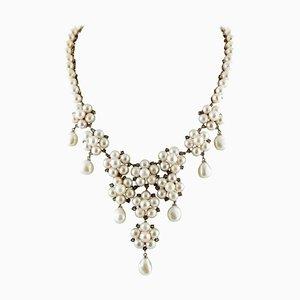 Handgefertigte tropfenförmige Halskette in Blumenform mit Diamanten, weißen Perlen, 9 Karat Roségold & Silber