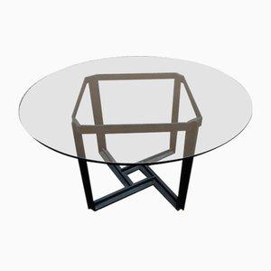 Tisch mit Metallgestell und Glasplatte