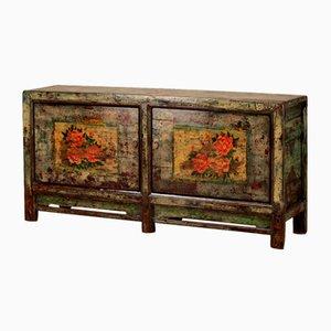 Crackled Sideboard mit Floraler Dekoration