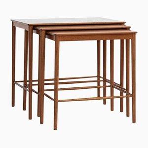 Tavolini ad incastro Mid-Century in teak di Grete Jalk per Poul Jeppesen, Danimarca, set di 3