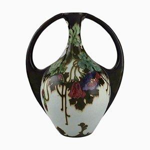 Vaso Art Nouveau antico con foglie e fiori dipinti a mano