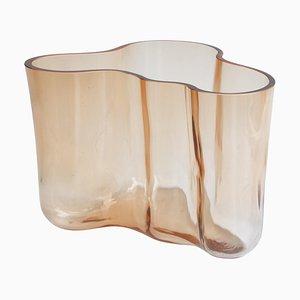 Vase Savoy en Verre Teinté Marron par Alvar Aalto, Finlande