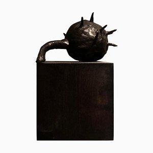 Kastanienbraune Skulptur von Herma De Wit