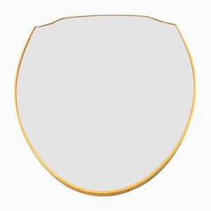 Schildförmiger Spiegel aus gebogenem PVC mit Messing-Effekt, 1950er