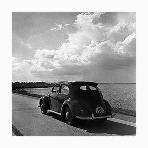 Coccinelle Volkswagen dans les Rues à Bord de la Mer, Allemagne 1939, Imprimé 2021
