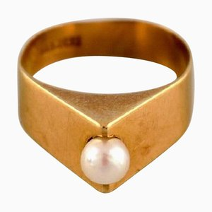 Swedish Modernist Ring in 18 Carat Gold with Cultured Pearl