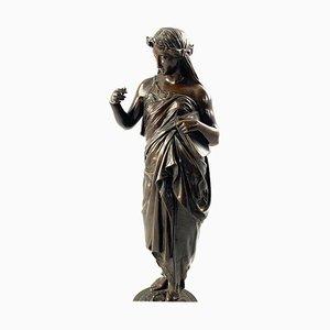 Bronze, 19ème Siècle, d'une Femme Drapée en Robe sur une Base Ronde