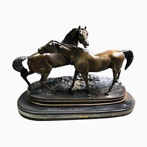 Figura in miniatura di due cavalli in bronzo patinato di PJ Mene