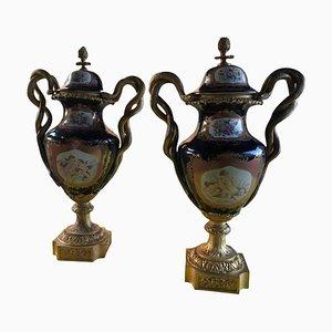 Vasi in stile Sevres in porcellana e bronzo dorato, set di 2