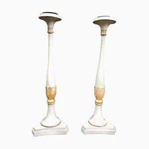 Französische Kerzenständer aus geschnitztem Holz, 19. Jh., 2er Set