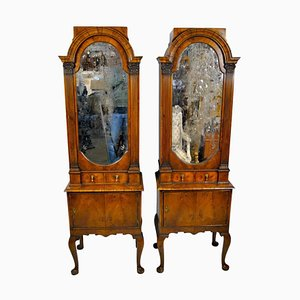 18th Century English Queen Anne Cabinets, 1712, Set of 2