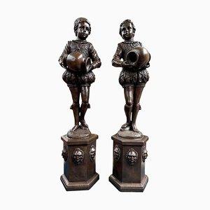 Große elisabethanische Page Boy Brunnenstatuen aus Bronze, 20. Jh., 2er Set