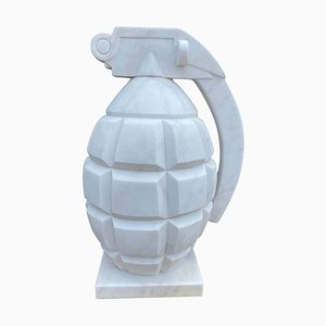Handgeschnitzte Handgranate aus weißem Marmor, 20. Jh