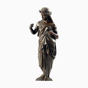 Bronze, 19ème Siècle, d'une Femme Drapée en Robe sur une Base Ronde du Zodiaque