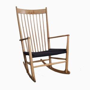 Sedia a dondolo J16 di Hans Wegner per FDB Furniture
