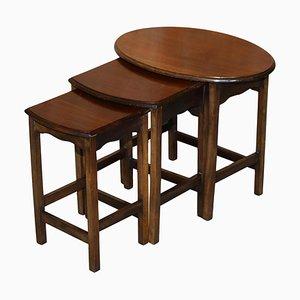 Tables Gigognes en Bois Dur, Angleterre, 1940s, Set de 3