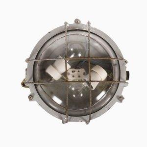 Lámpara pared industrial de hierro fundido, años 50