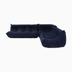 Sofá Togo en azul oscuro con reposapiés de Michel Ducaroy para Ligne Roset. Juego de 3