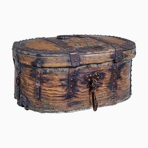 Skandinavische Barock Box aus Eiche & Eisen, frühes 18. Jh