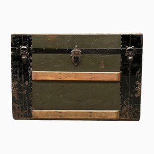 American Travel Box with Wooden Sleds