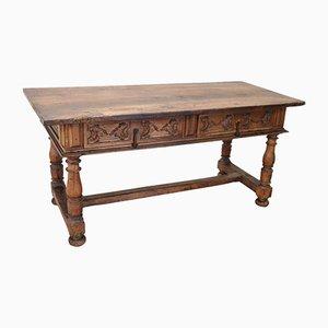 Großer antiker Schreibtisch aus massivem geschnitztem Nussholz, 1680er