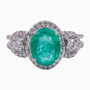 18K Gold Ring with Central Emerald and Diamonds