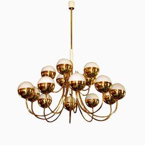 Lámpara de araña italiana de latón dorado y vidrio con 15 globos de Stilnovo, años 70