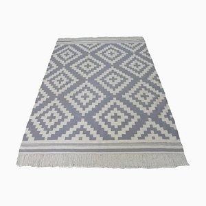 Handgewebter grauer Kelim Wollteppich mit geometrischem Muster