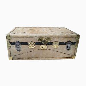 Baule da viaggio antico in pergamena