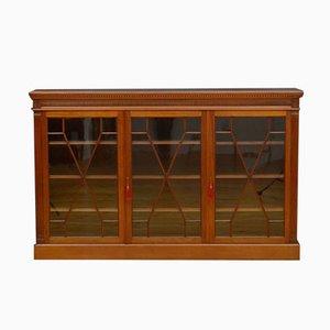 Spätviktorianisches Glasiertes Bücherregal aus Nussholz