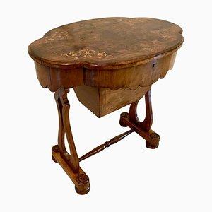 Mesa de trabajo victoriana antigua de madera nudosa de nogal