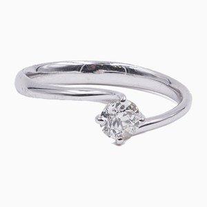 Solitär Ring aus 18 Karat Weißgold mit Diamant im Brillantschliff