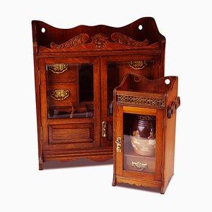 Pfeifenrauchervitrine aus Eiche mit glasierten Türen & Royal Doulton Tabakdose und Deckel, 19. Jh