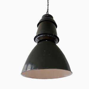 Lámpara colgante industrial grande negra, años 50