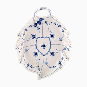 Antike geriffelte blaue Schale in Blattform mit Griff von Royal Copenhagen