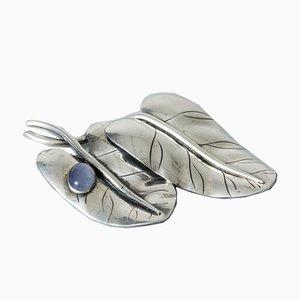 Broche de plata y calcedonia de Arvo Saarela