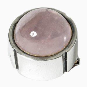 Broche de plata y cuarzo rosa de Heikki Kaksonen