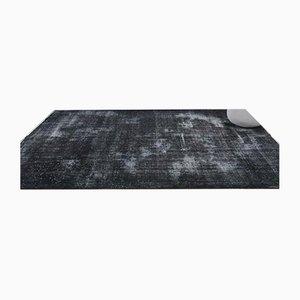 Handgeknüpfter türkischer Vintage Oushak Teppich aus massiver schwarzer Wolle